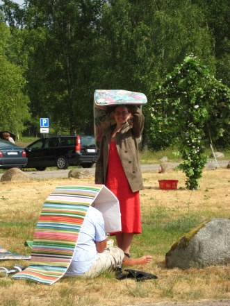 No Midsummer without a shower...