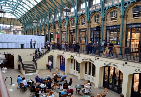 Covent garden - opera marvellously sung in a white tee and blue jeans