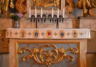 Tha altar