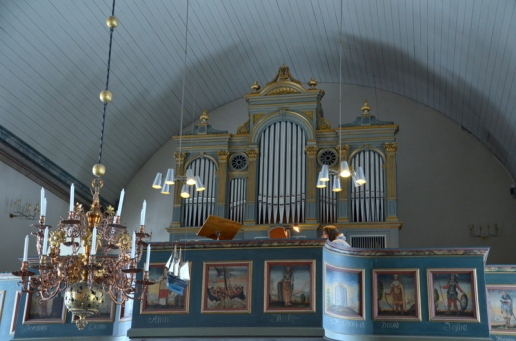The first organ was built in 1857 by Johan Gustaf Ek, but it has been rebuilt several times.
