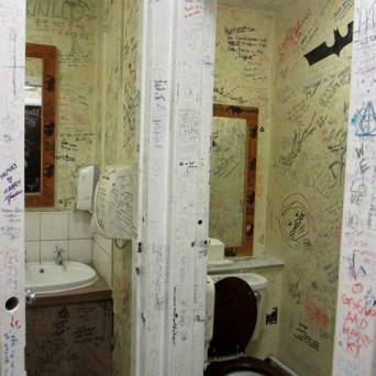...and here are more sitting tributes...long lasting toilet visits here...