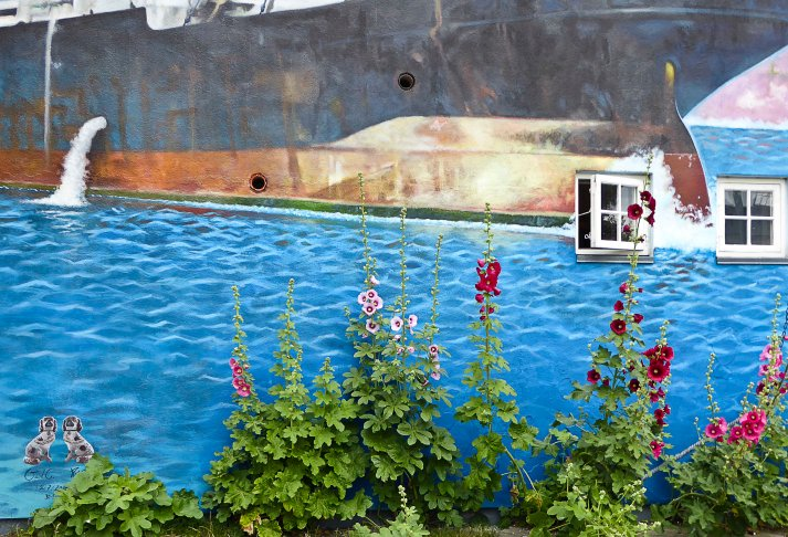 Catching a ship in an ocean of flowers.