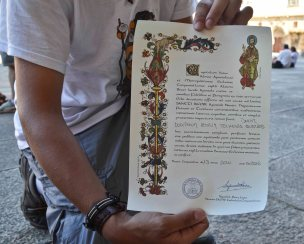 ...and diploma. this man had walked the Camino 7 times. Often together with some difficult young boys