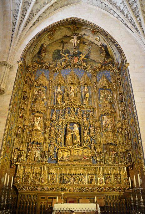 The Spanish-Flemish Gothic altarpiece by Gil de Siloé for the Chapel of Saint Anne