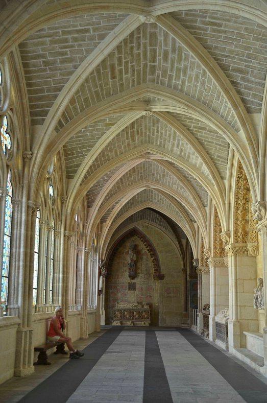 Serene vaults to rest under