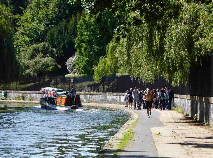 Along Regent's Canal