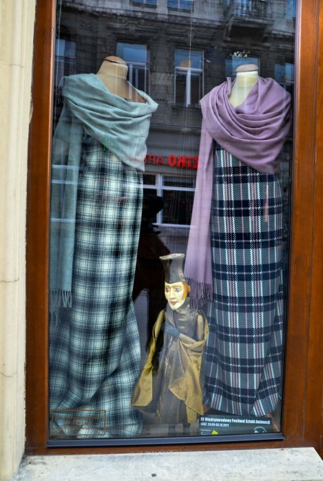 Most of the shop windows had at least one manmade doll in it. In Riga we visited a puppet theatre - the Polish people are very much into art