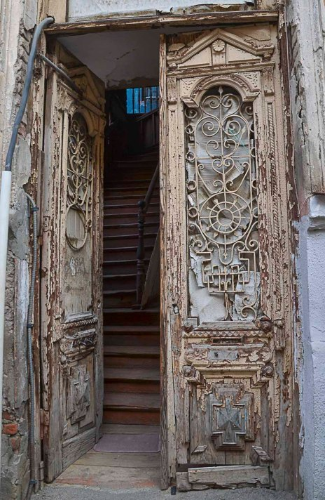 Oh, these doors...so beautiful