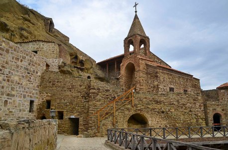 The largest and most important building in the complex is the Church of the Apostle John. Located in the heart of the complex, this church was built in the 12th century with red tiles.